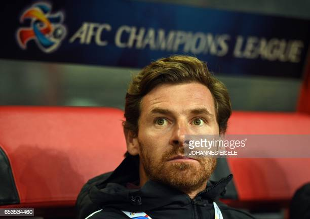 Shanghai SIPGhead coach Andre VillasBoas reacts before the AFC Asian Champions League group football match between Shanghai SIPG and Urawa Red...