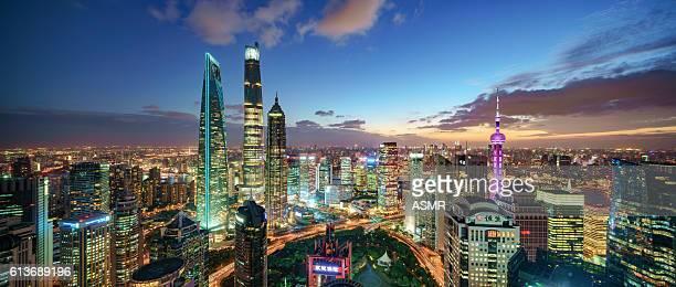 Ville de Shanghai au coucher du soleil
