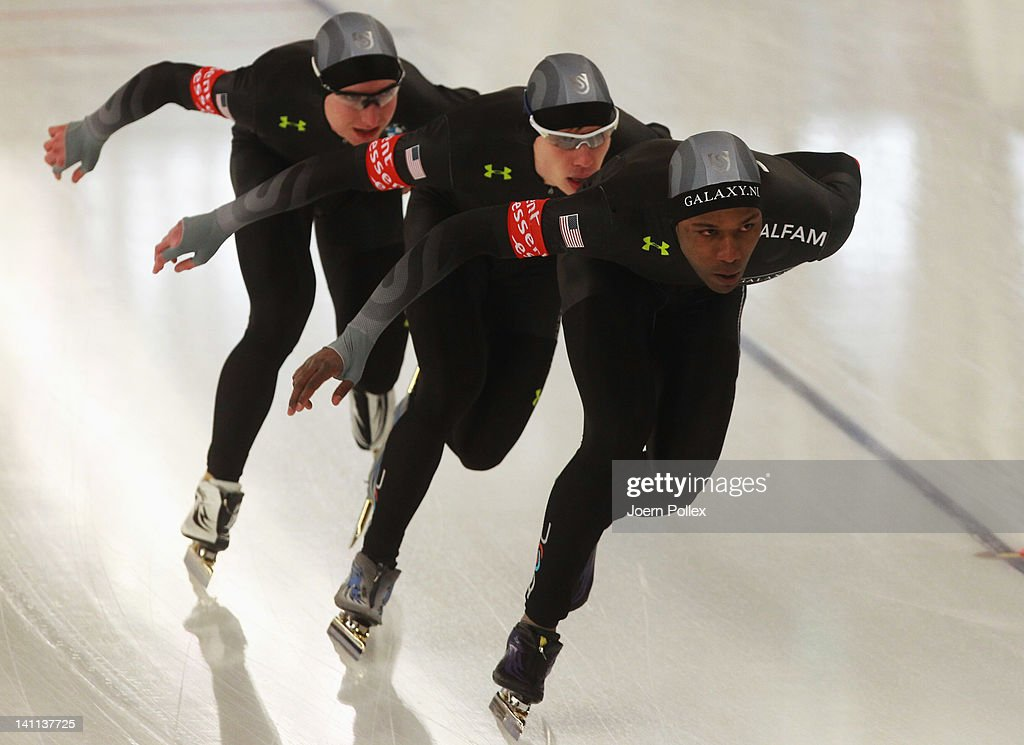 Shani Davis Jonathan Kuck and Brian Hansen in action during Men's Team Pursuit during Day 3 of the Essent ISU Speed Skating World Cup at Sportforum...