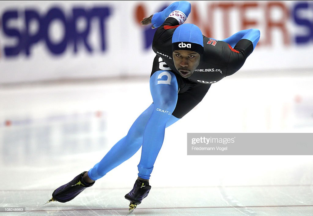 Shani Davis of the USA competes in the 1000m race during the first day of the ISU World sprint speed skating Championships on January 22 2011 in...