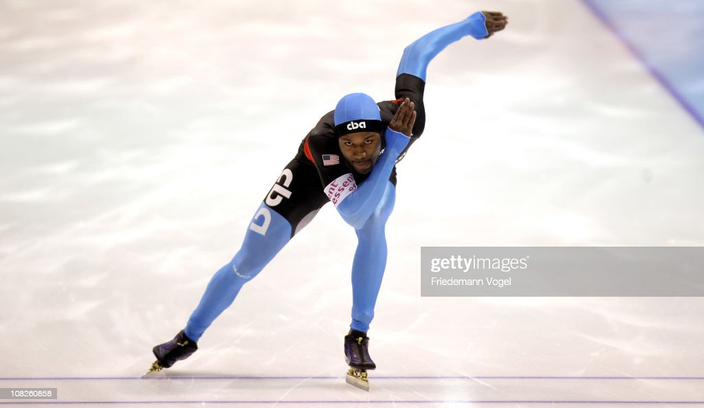 Shani Davis of the USA competes in the 500m race during the second day of the ISU World sprint speed skating Championships on January 23 2011 in...