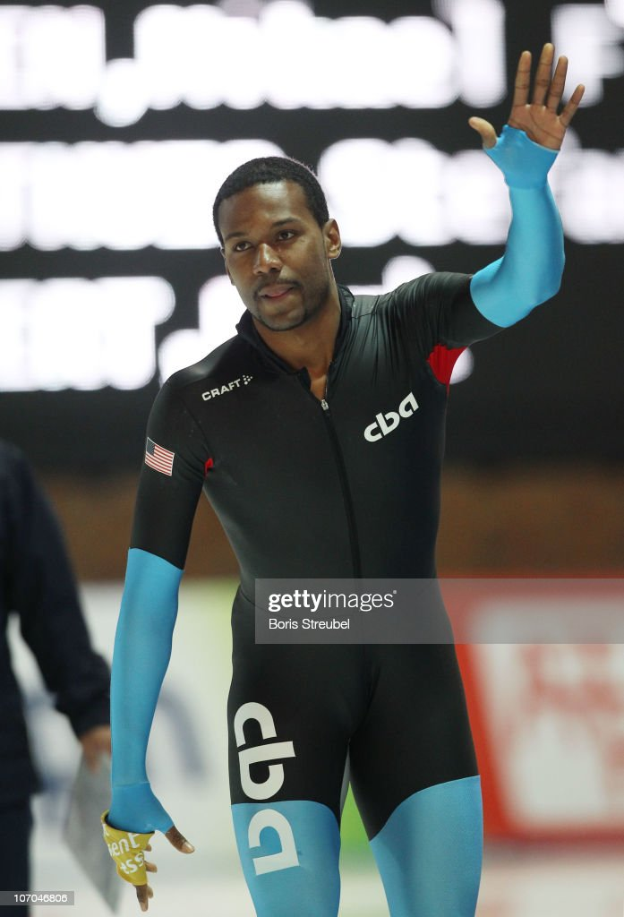 Shani Davis of USA celebrates after winning the men's 1000 m Division A race during the Essent ISU World Cup Speed Skating on November 21 2010 in...