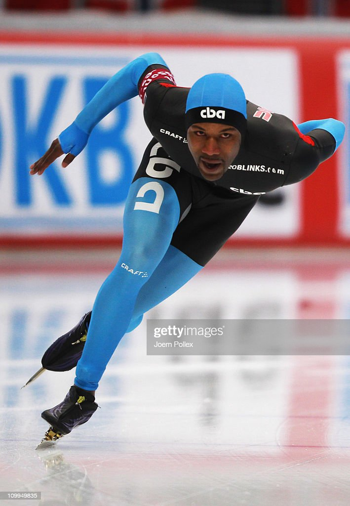 Shani Davis of USA competes in the 1000 m heats during Day 2 of the Essent ISU Speed Skating World Cup at the Max Aicher Arena on March 11 2011 in...