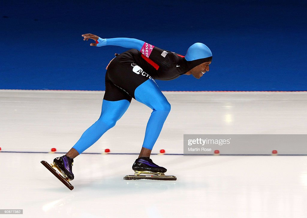 Shani Davis of USA competes in the men 5000 m Division A race during the Essent ISU World Cup Speed Skating on November 7 2009 in Berlin Germany