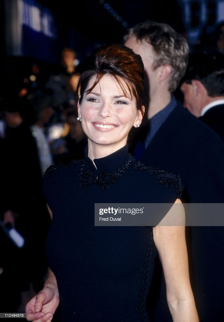 Shania Twain during 'Notting Hill' - London Premiere - Arrivals at Leicester Square in London, Great Britain.