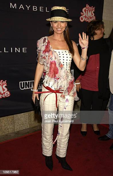 Shania Twain during Teen People and Universal Records Honor Nelly as the 2002 Artist of the Year Arrivals at Ivar in Hollywood California United...