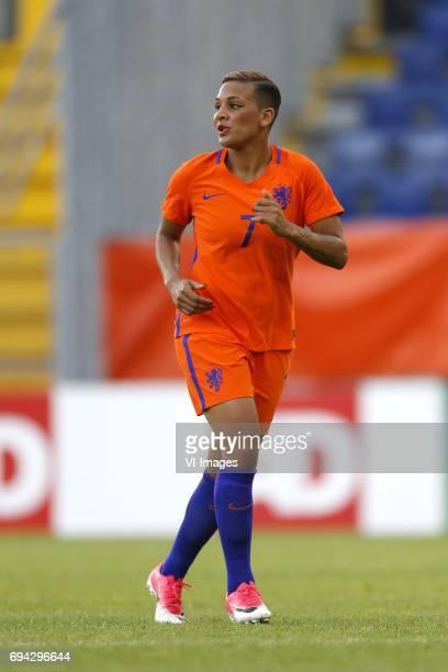 Shanice van de Sanden of the Netherlandsduring the friendly match between the women of The Netherlands and Japan at the Rat Verlegh stadium on June 9...