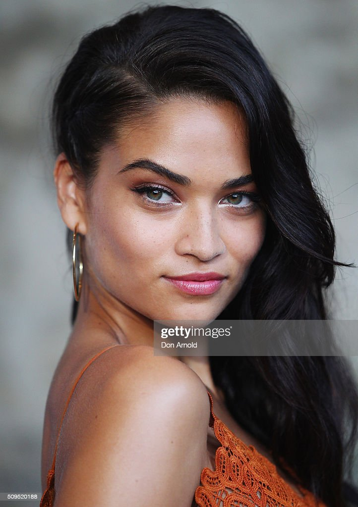 <a gi-track='captionPersonalityLinkClicked' href=/galleries/search?phrase=Shanina+Shaik&family=editorial&specificpeople=5556870 ng-click='$event.stopPropagation()'>Shanina Shaik</a> arrives ahead of the Myer AW16 Fashion Launch at Barangaroo Reserve on February 11, 2016 in Sydney, Australia.