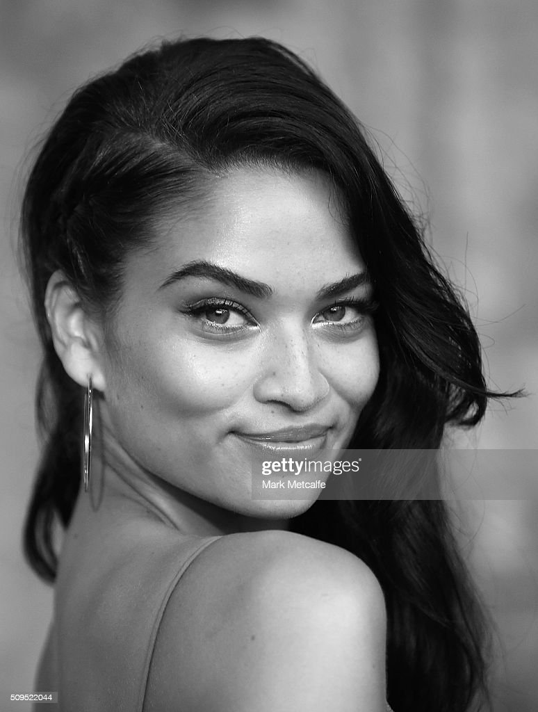 <a gi-track='captionPersonalityLinkClicked' href=/galleries/search?phrase=Shanina+Shaik&family=editorial&specificpeople=5556870 ng-click='$event.stopPropagation()'>Shanina Shaik</a> arrives ahead of the Myer AW16 Fashion Launch on February 11, 2016 in Sydney, Australia.