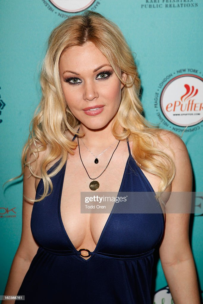 <a gi-track='captionPersonalityLinkClicked' href=/galleries/search?phrase=Shanna+Moakler&family=editorial&specificpeople=243047 ng-click='$event.stopPropagation()'>Shanna Moakler</a> attends Kari Feinstein's Pre-Academy Awards Style Lounge at W Hollywood on February 22, 2013 in Hollywood, California.