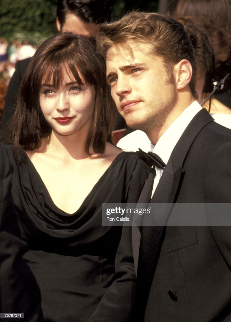 <a gi-track='captionPersonalityLinkClicked' href=/galleries/search?phrase=Shannen+Doherty&family=editorial&specificpeople=208130 ng-click='$event.stopPropagation()'>Shannen Doherty</a> and Jason Priestley