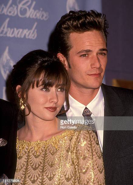 Shannen Doherty and Luke Perry at the 18th Annual People's Choice Awards Universal Studios Universal City