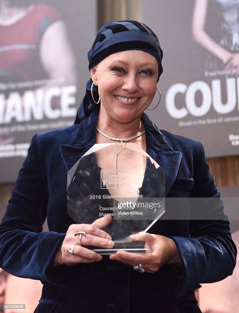 Shannen Doherty attends the American Cancer Society's Giants of Science Los Angeles Gala on November 5, 2016 in Los Angeles, California.