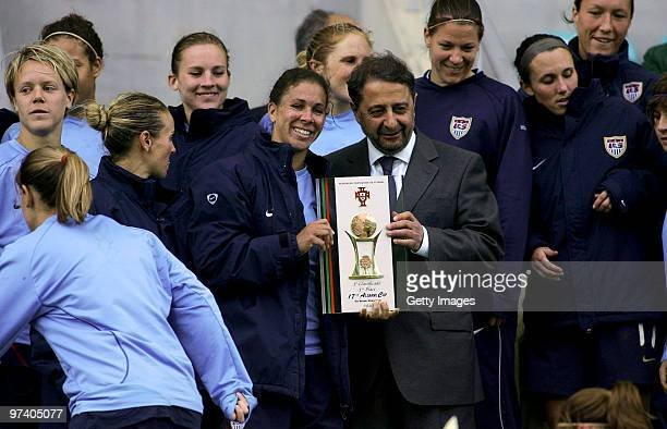 Shannon Box and her team of USA pose with the first price after the Women Algarve Cup final match between Germany and USA on March 3 2010 in Faro...