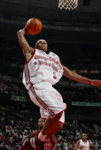 Shannon Brown of the Cleveland Cavaliers drives to the basket during the 2006 Chicagoland AllStar Classic basketball game on July 29 2006 at the...