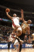 Shannon Brown of the Cleveland Cavaliers goes to the basket against Jarvis Hayes of the Washington Wizards in a NBA basketball game at the Verizon...