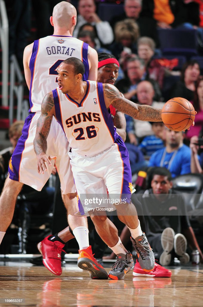 Shannon Brown #26 of the Phoenix Suns dribbles the ball while looking to pass against the Milwaukee Bucks on January 17, 2013 at U.S. Airways Center in Phoenix, Arizona.
