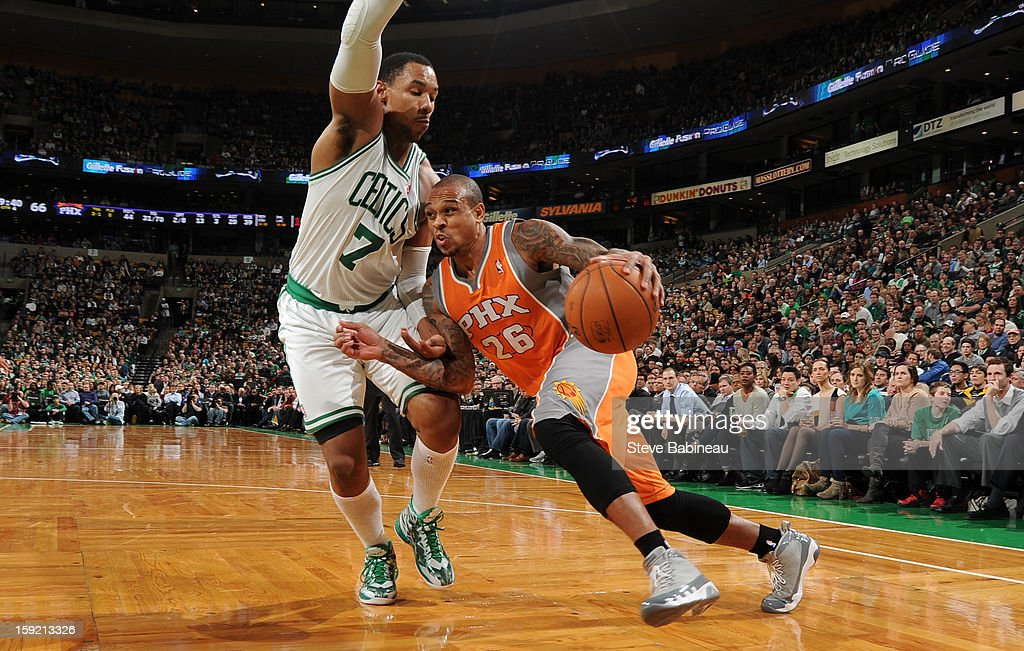 Shannon Brown #26 of the Phoenix Suns drives to the basket against Jared Sullinger #7 of the Boston Celtics on January 9, 2013 at the TD Garden in Boston, Massachusetts.