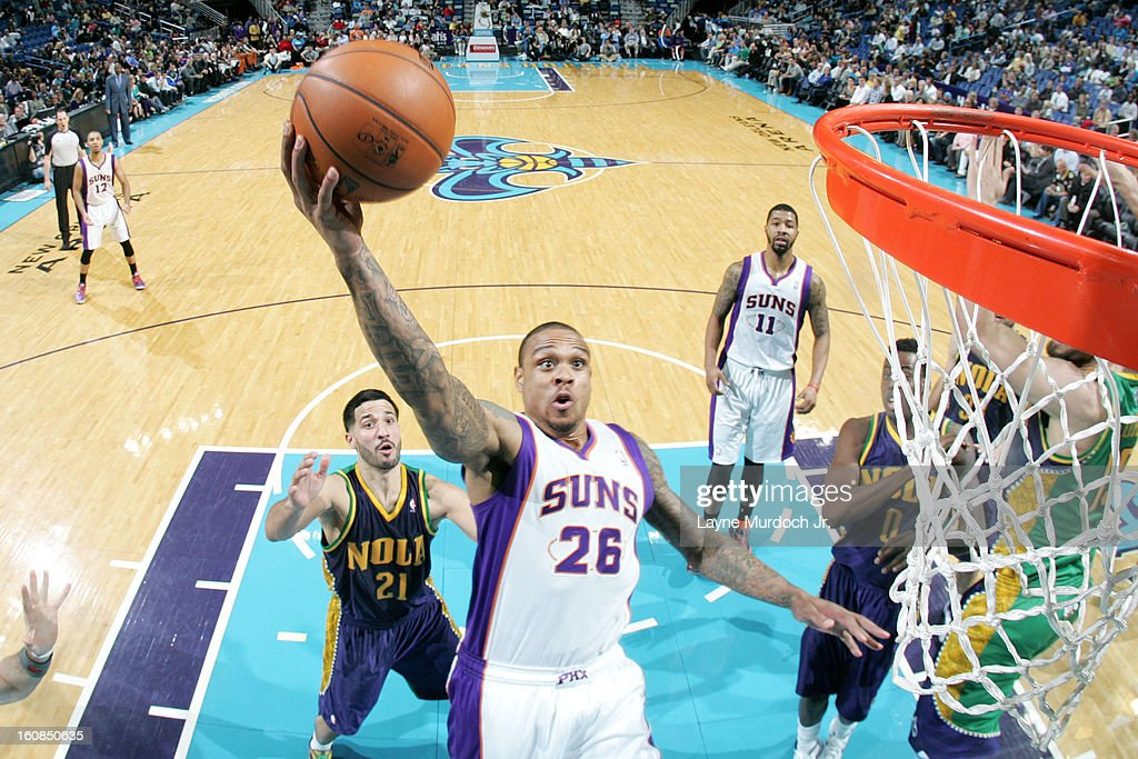 Shannon Brown #26 of the Phoenix Suns goes to the basket against <a gi-track='captionPersonalityLinkClicked' href=/galleries/search?phrase=Greivis+Vasquez&family=editorial&specificpeople=4066977 ng-click='$event.stopPropagation()'>Greivis Vasquez</a> #21 of the New Orleans Hornets on February 06, 2013 at the New Orleans Arena in New Orleans, Louisiana.
