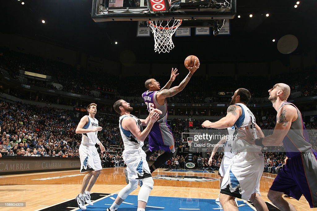 Shannon Brown #26 of the Phoenix Suns goes to the basket during the game between the Minnesota Timberwolves and the Phoenix Suns during the game on December 29, 2012 at Target Center in Minneapolis, Minnesota.