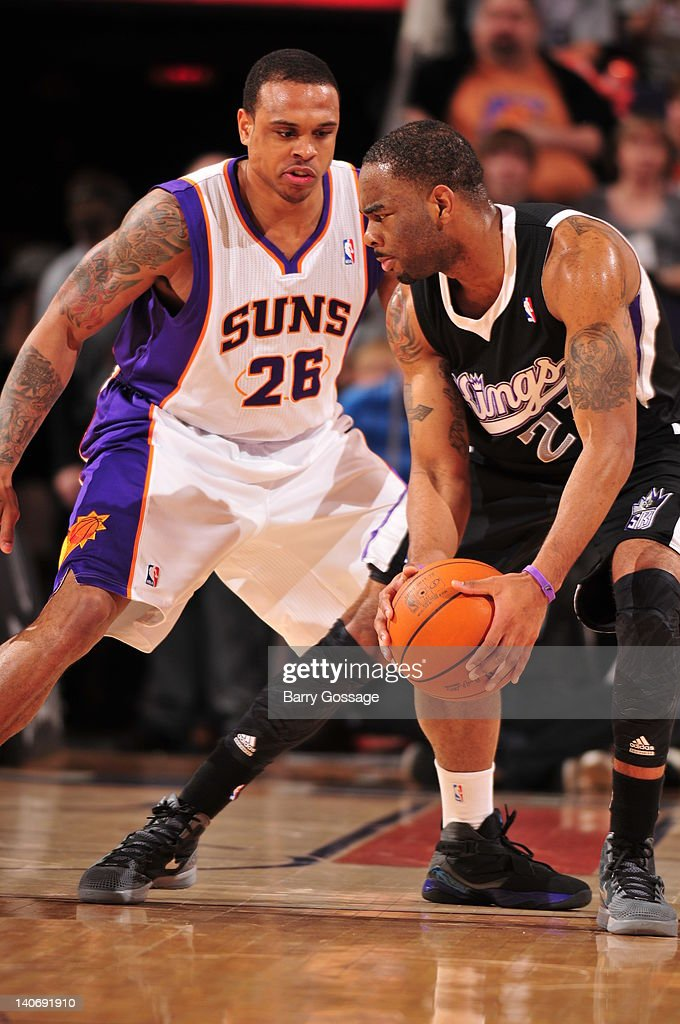 Shannon Brown of the Phoenix Suns guards Marcus Thornton of the Sacramento Kings in an NBA game played on March 4 2012 at US Airways Center in...