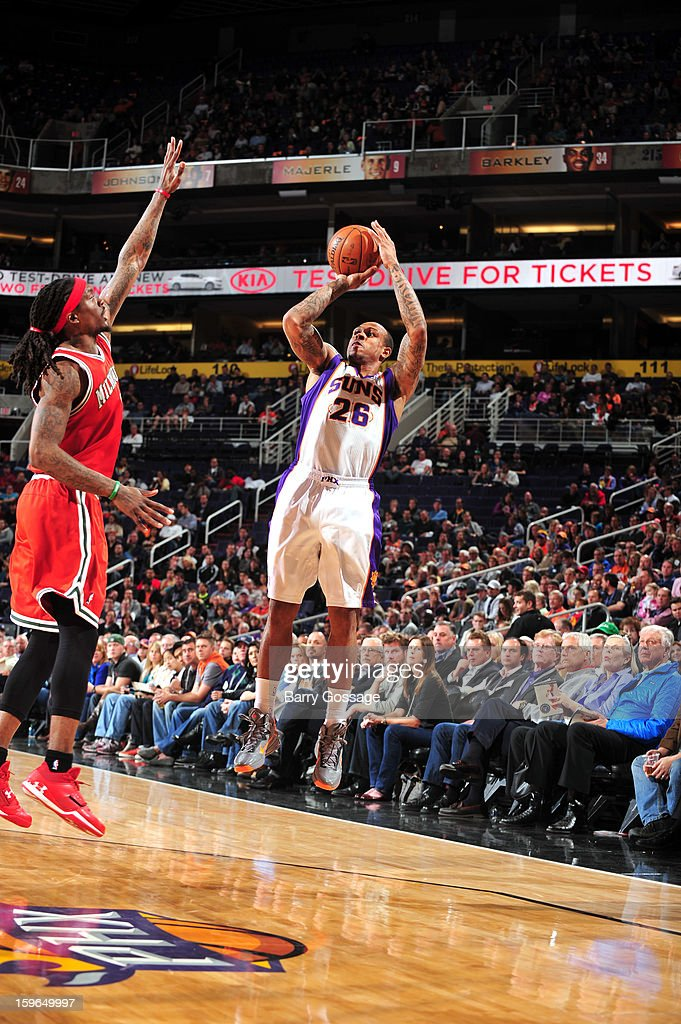 Shannon Brown #26 of the Phoenix Suns shoots a three point shot against the Milwaukee Bucks on January 17, 2013 at U.S. Airways Center in Phoenix, Arizona.