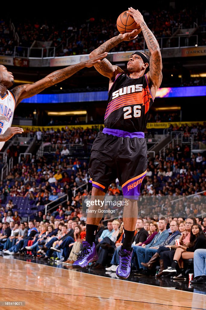 Shannon Brown #26 of the Phoenix Suns shoots against the Oklahoma City Thunder on February 10, 2013 at U.S. Airways Center in Phoenix, Arizona.