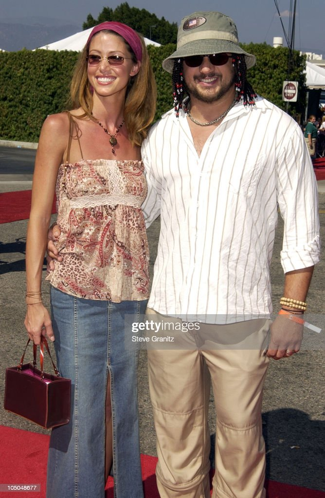 Shannon Elizabeth and Joseph Reitman during The 2002 Teen Choice Awards - Arrivals at The Universal Amphitheatre in Universal City, California, United States.