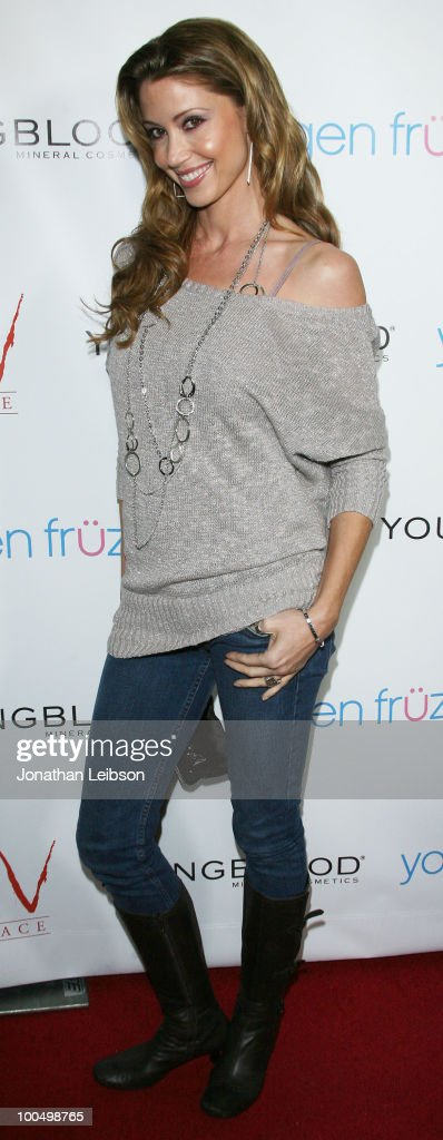 Shannon Elizabeth attends the Birthday Celebration For Edyta Sliwinska From 'Dancing With The Stars' at XIV on May 24, 2010 in West Hollywood, California.