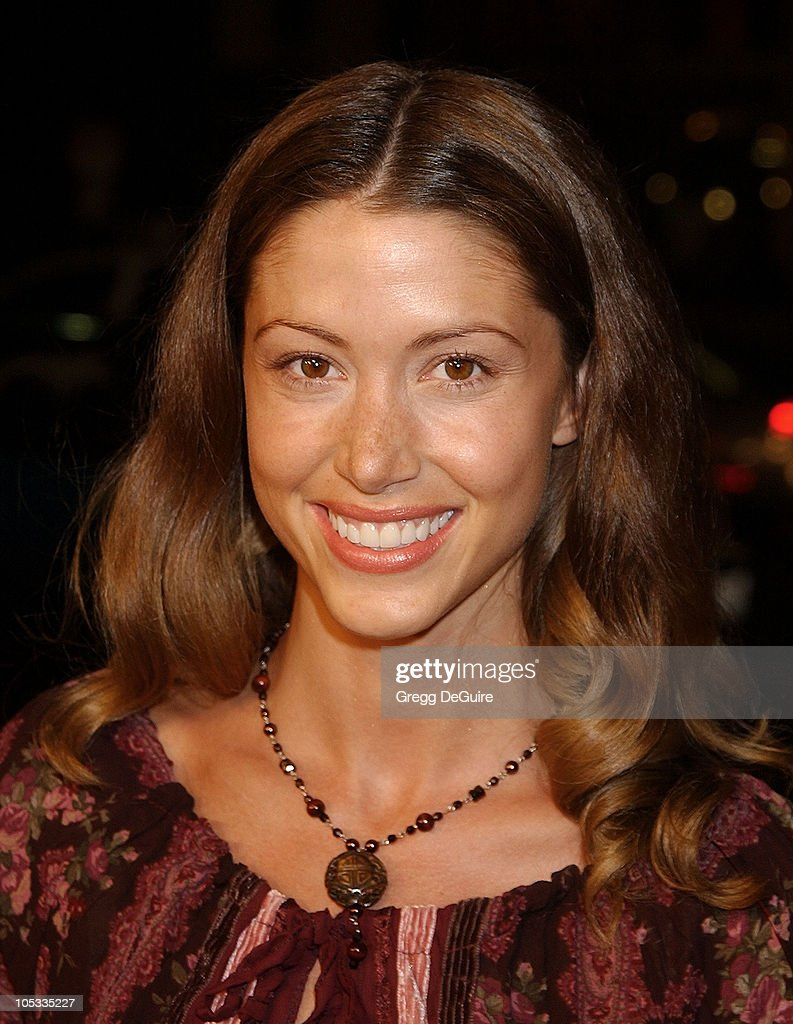 Shannon Elizabeth during 'White Oleander' Premiere - Los Angeles at Grauman's Chinese Theatre in Hollywood, California, United States.