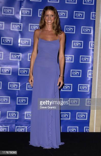 Shannon Elizabeth who presented the 2002 ESPY Award for Best Play
