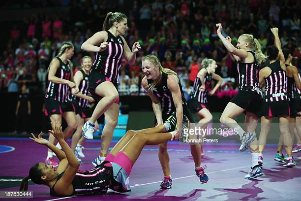 Shannon Francois and Maria Tutaia of New Zealand dance prior to the final match between New Zealand and Australia on day three of the Fast5 Netball...