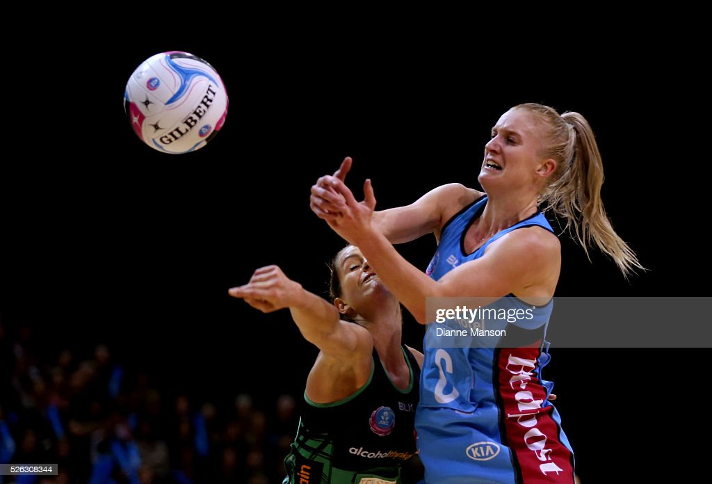 Shannon Francois (R) of the Steel and Ashleigh Brazil of the Fever compete for the ball during the ANZ Championship match between the Steel and the Fever on April 30, 2016 in Invercargill, New Zealand.