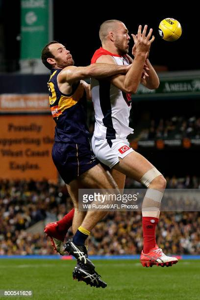 Shannon Hurn of the Eagles spoils during the round 14 AFL match between the West Coast Eagles and the Melbourne Demons at Domain Stadium on June 24...