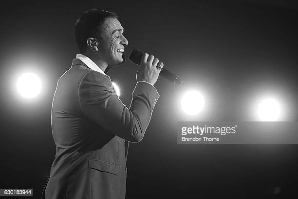 Shannon Noll performs on stage during Woolworths Carols in the Domain at The Domain on December 18 2016 in Sydney Australia Woolworths Carols in the...