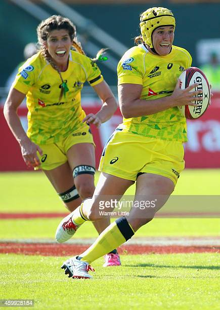 Shannon Parry of Australia in action against France during the IRB Women's Sevens Rugby World Series at the Emirates Dubai Rugby Sevens on December 4...