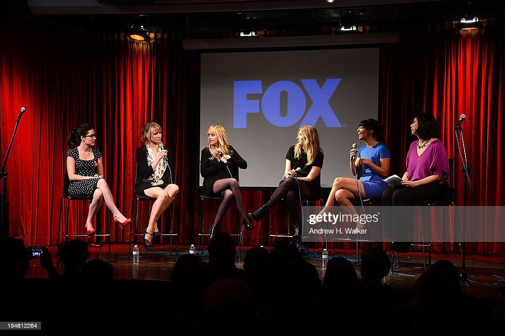 Shannon Woodward, Lucy Punch, Dakota Johnson, Elizabeth Meriwether, Hannah Simone and Entertainment Weekly's Jessica Shaw attend a Salute To FOX Comedy on October 26, 2012 in New York City.