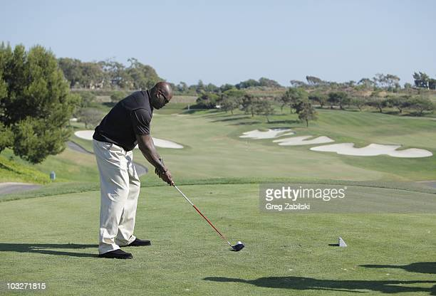 VS 'Shaq VS Charles Barkley/Shaq VS Competitive Eating' Shaquille O'Neal travels to Dana Point CA to tee off against Charles Barkley on the St Regis...