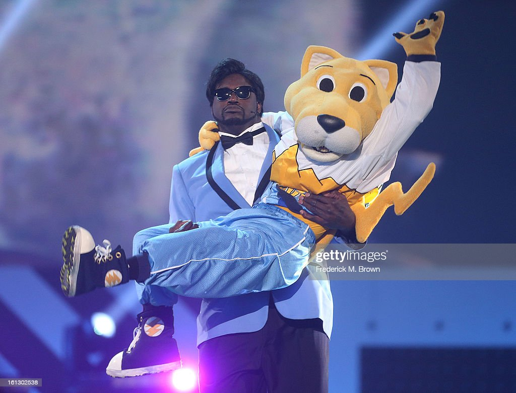Shaquille O' Neal (L) and Rocky, the Mascot of the Denver Nuggets perform during the 3rd Annual Cartoon Network's 'Hall Of Fame' Awards at the Barker Hangar on February 9, 2013 in Santa Monica, California.