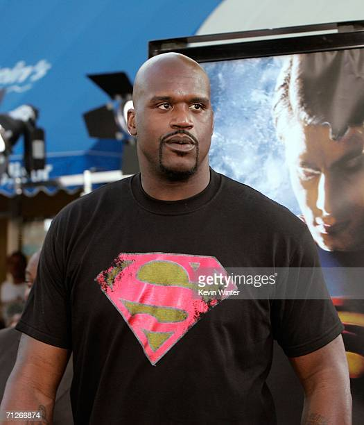 Shaquille O'Neal arrives at the Warner Bros premiere of 'Superman Returns' held at the Mann Village Theater on June 21 2006 in Westwood California