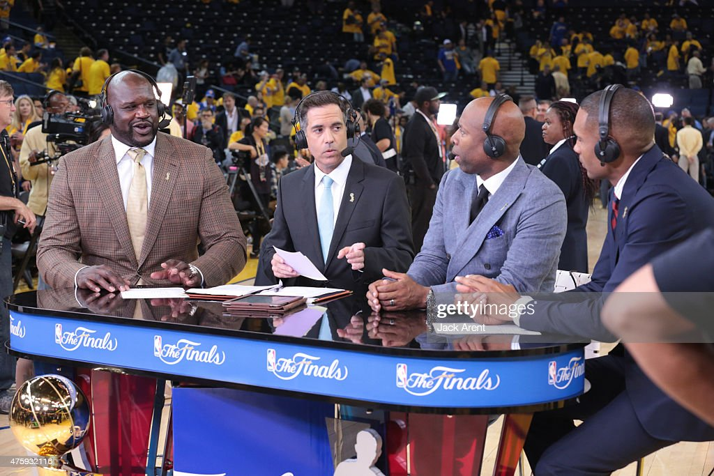 <a gi-track='captionPersonalityLinkClicked' href=/galleries/search?phrase=Shaquille+O%27Neal&family=editorial&specificpeople=201463 ng-click='$event.stopPropagation()'>Shaquille O'Neal</a>, <a gi-track='captionPersonalityLinkClicked' href=/galleries/search?phrase=Matt+Winer&family=editorial&specificpeople=7033466 ng-click='$event.stopPropagation()'>Matt Winer</a>, <a gi-track='captionPersonalityLinkClicked' href=/galleries/search?phrase=Kenny+Smith&family=editorial&specificpeople=221585 ng-click='$event.stopPropagation()'>Kenny Smith</a> and <a gi-track='captionPersonalityLinkClicked' href=/galleries/search?phrase=Grant+Hill+-+Basketball+Player&family=editorial&specificpeople=201658 ng-click='$event.stopPropagation()'>Grant Hill</a> of NBATV discusses the game of the Cleveland Cavaliers against the Golden State Warriors in Game One of the 2015 NBA Finals on June 4, 2015 at Oracle Arena in Oakland, California.