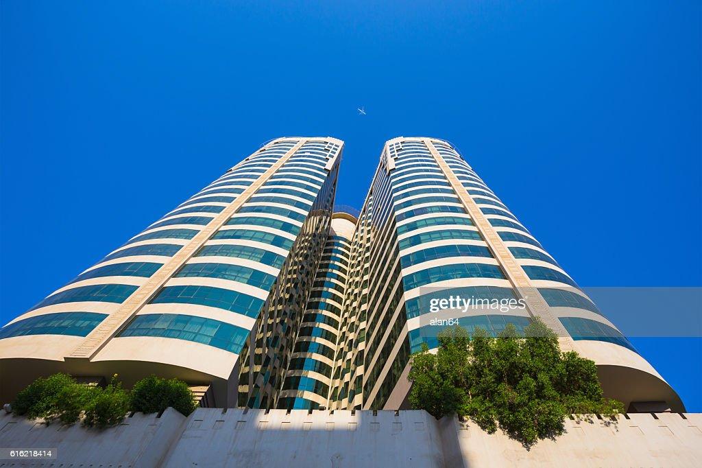 -3 番目に大きなシャルジャは、アラブ首長国連邦で最も人口の多い都市 : ストックフォト