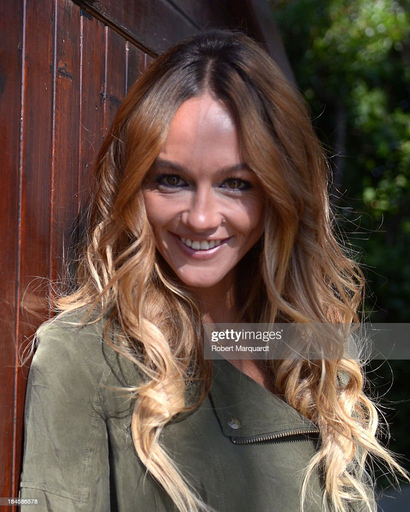 <a gi-track='captionPersonalityLinkClicked' href=/galleries/search?phrase=Sharni+Vinson&family=editorial&specificpeople=690345 ng-click='$event.stopPropagation()'>Sharni Vinson</a> poses for the press while presenting her latest film 'Patrick' at the 46th Sitges Film Festival on October 11, 2013 in Sitges, Spain.