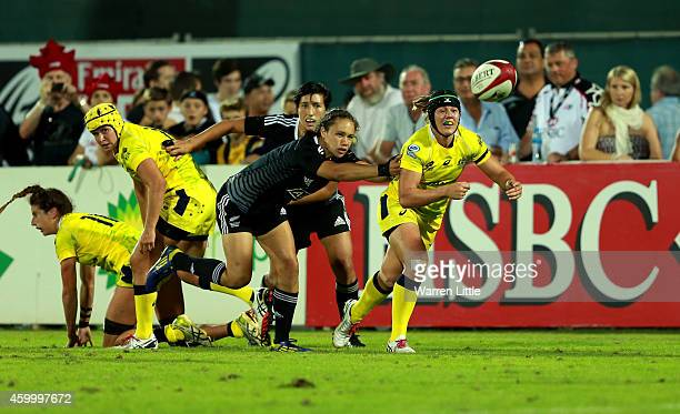 Sharni Williams of Australia in ction against New Zealand during the Emirates Dubai Sevens IRB Women's Sevens World Series Cup Final on December 5...