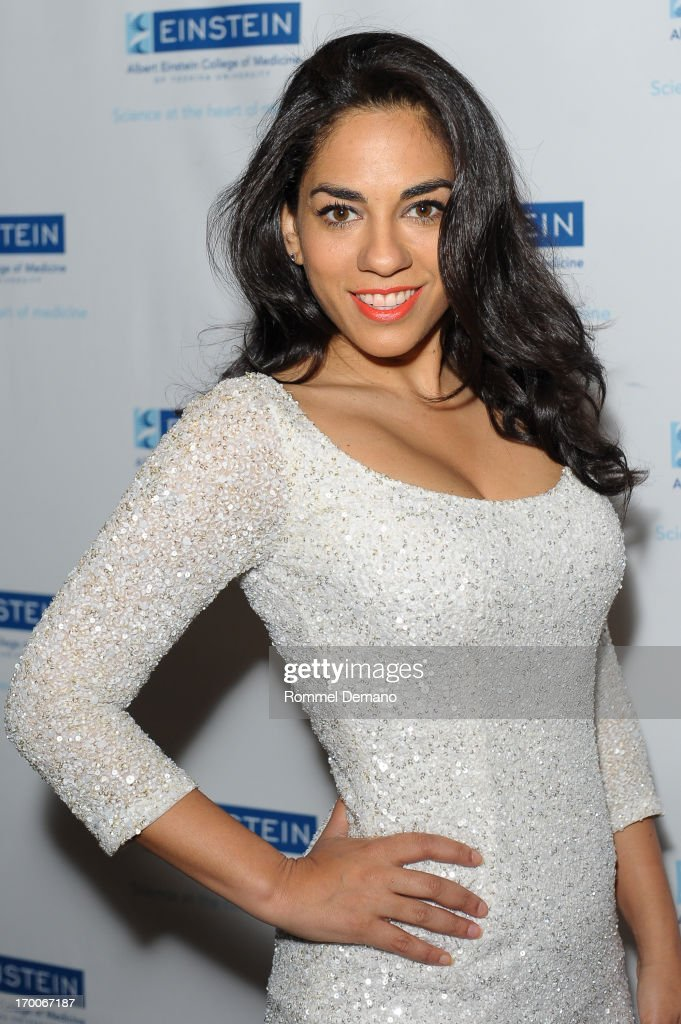<a gi-track='captionPersonalityLinkClicked' href=/galleries/search?phrase=Sharon+Carpenter&family=editorial&specificpeople=671312 ng-click='$event.stopPropagation()'>Sharon Carpenter</a> attends the Einstein Emerging Leaders 2nd Annual Gala at Dream Downtown on June 6, 2013 in New York City.