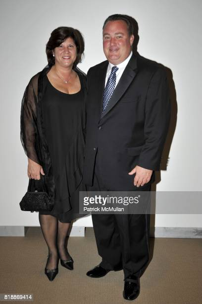 Sharon Stamp and Cary Stamp attend ALZHEIMER'S DRUG DISCOVERY FOUNDATION presents The Fourth Annual Connoisseur's Dinner at Sotheby's on April 29th...