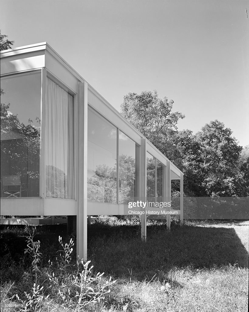 side view of the rear of farnsworth house pictures getty images