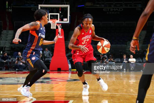 Shatori WalkerKimbrough of the Washington Mystics drives to the basket during the game against the Connecticut Sun on May 31 2017 at the Verizon...