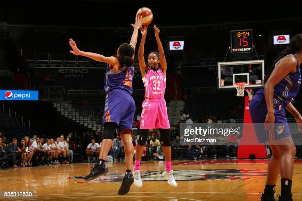 Shatori WalkerKimbrough of the Washington Mystics shoots the ball against the Phoenix Mercury on August 18 2017 at the Verizon Center in Washington...