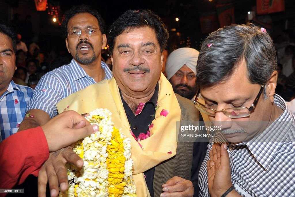 Shatrughan Sinha (C), Indian Bollywood actor and Bharatiya Janata Party (BJP) candidate for Patna parliamentary seat, attends an election campaign event for BJP's Amritsar parliamentary seat candidate Arun Jaitley in Amritsar on April 19, 2014. India's 814-million-strong electorate is voting in the world's biggest election which is set to sweep the Hindu nationalist opposition to power at a time of low growth, anger about corruption and warnings about religious unrest.